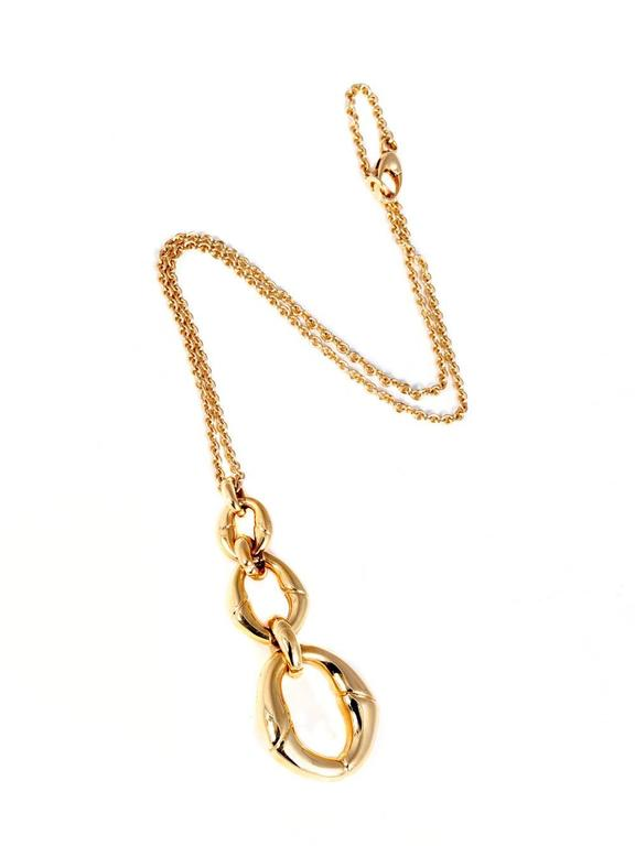 Paying homage to nature, this fabulous Bamboo collection by Gucci is crafted in 18k yellow gold.   Necklace Length: 16″ Pendant Length: 2.5″  Inventory ID: 0000361