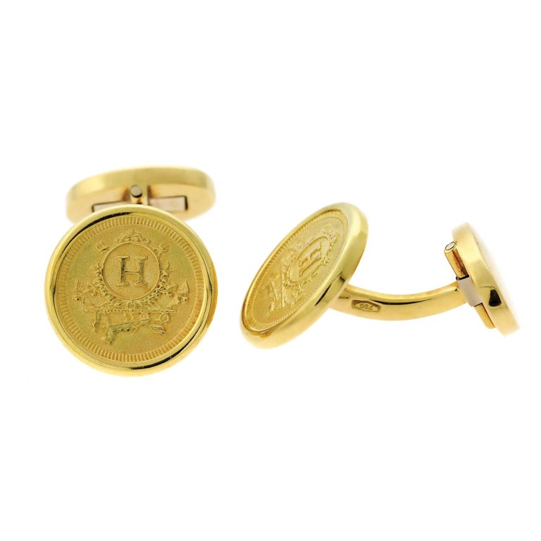 Hermes Yellow Gold Cufflinks In Excellent Condition For Sale In Feasterville, PA