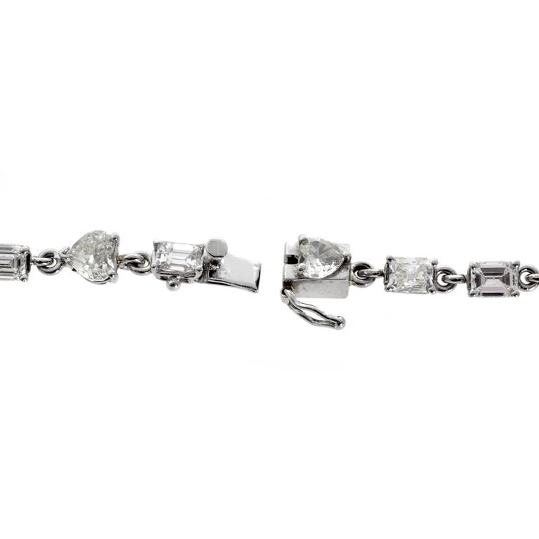 31 Carat Diamond platinum Tennis Necklace In Excellent Condition For Sale In Feasterville, PA