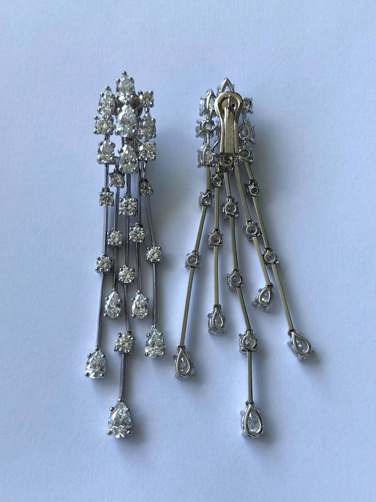 Graff Waterfall Diamond Platinum Earrings In Excellent Condition For Sale In Feasterville, PA