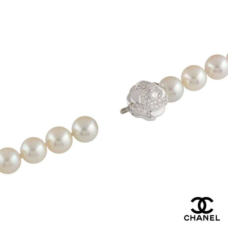 Stunning Chanel Pearl Diamond Necklace In Excellent Condition For Sale In London, GB