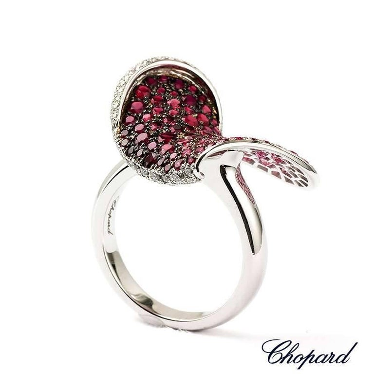 Chopard Ruby and Diamond Heart Flower Ring In Excellent Condition For Sale In London, GB
