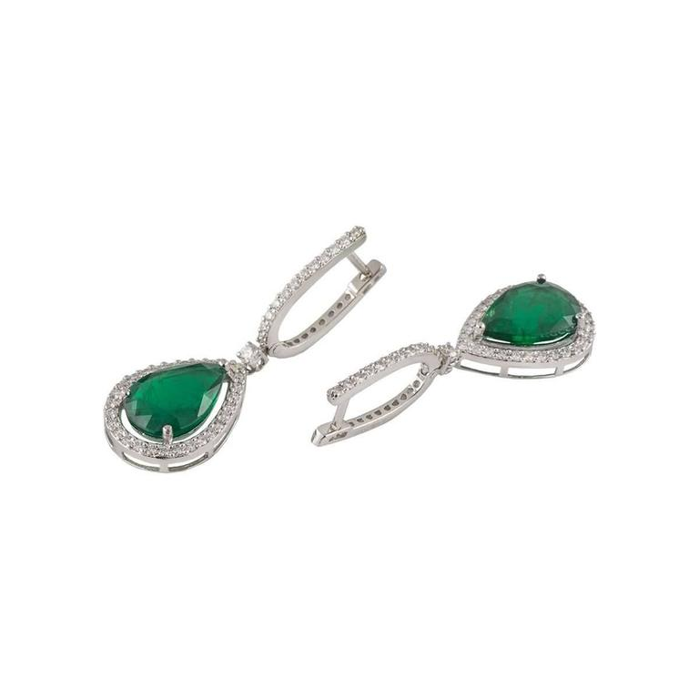 Emerald and Diamond Drop Earrings 7.57 Carat In Excellent Condition For Sale In London, GB
