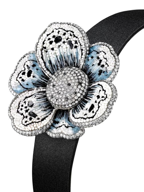 Contemporary Stylish Wristwatch White & Black Diamond White Gold Quartz Movement For Sale