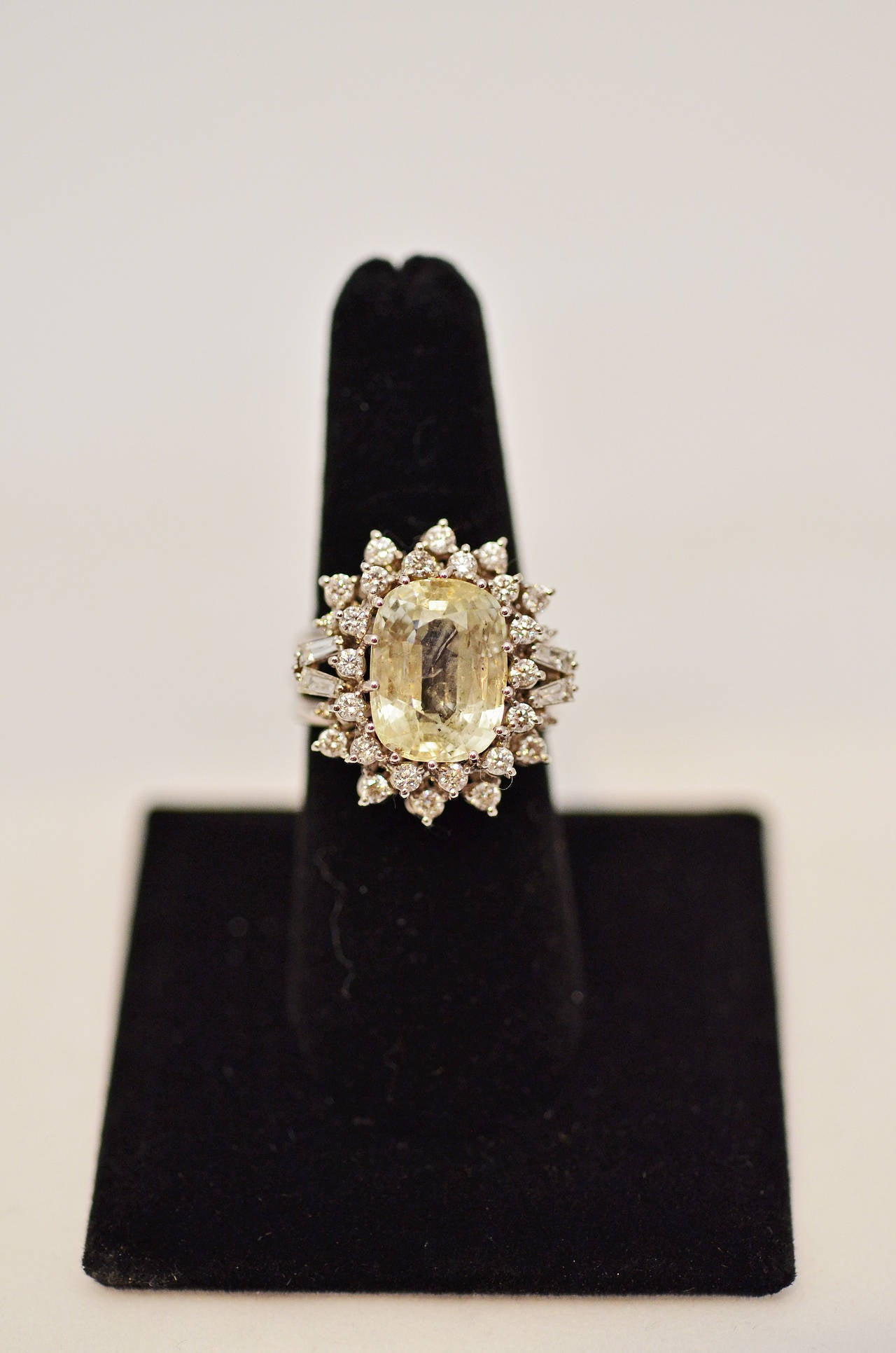 Women's Fabulous Yellow Sapphire and Diamond Gold Ring For Sale