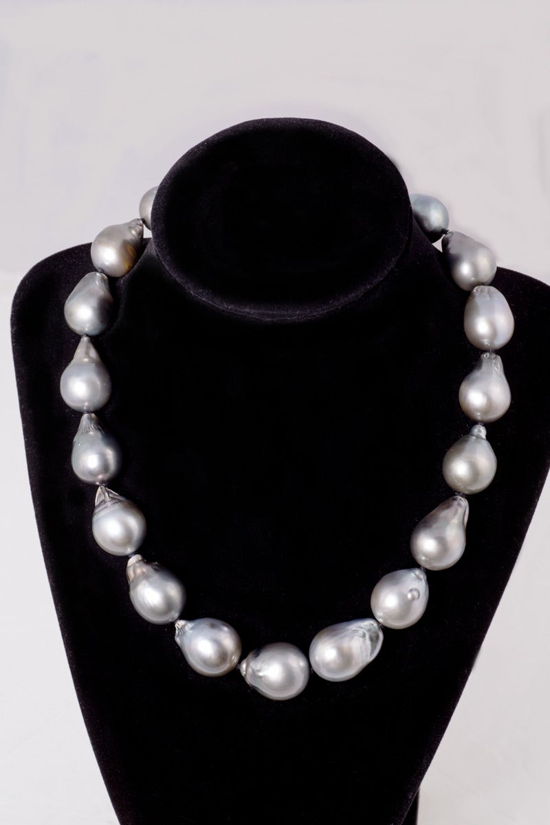 Magnificent Baroque Silver Grey South Sea Pearl Necklace 2