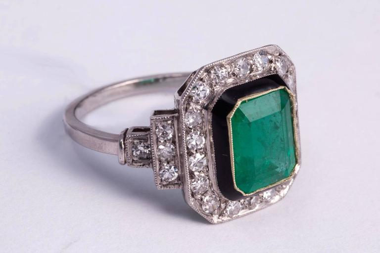 Art Deco 2.50ct Natural Emerald and Diamond Ring For Sale