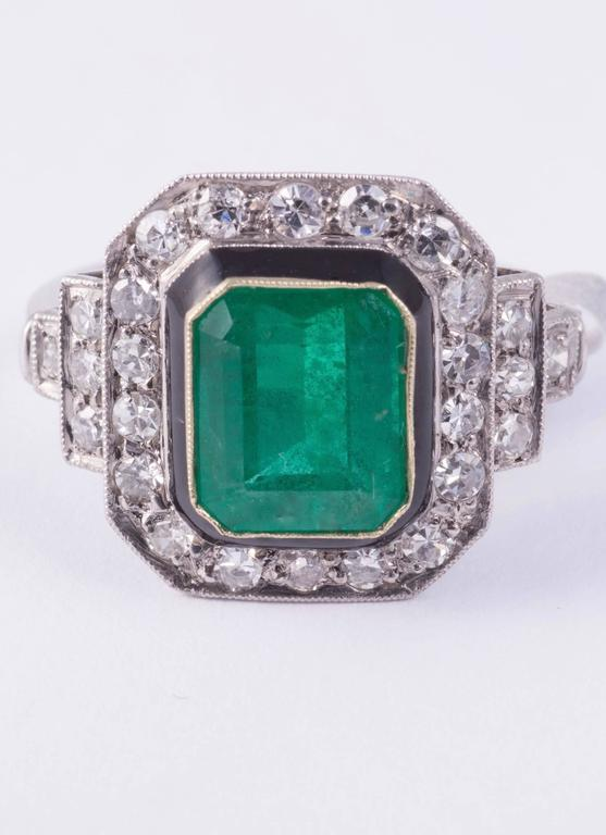 2.50ct Natural Emerald and Diamond Ring In Excellent Condition For Sale In New Orleans, LA
