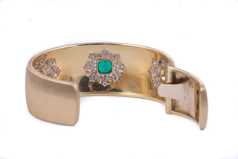Contemporary Magnificent Buccellati Emerald and Diamond Bracelet For Sale