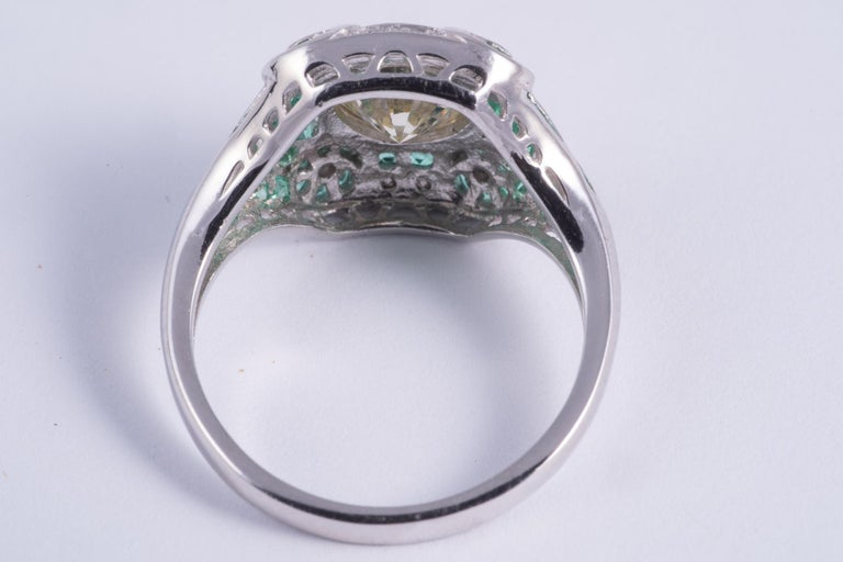 Round Cut Natural Yellow Diamond and Emerald Ring For Sale