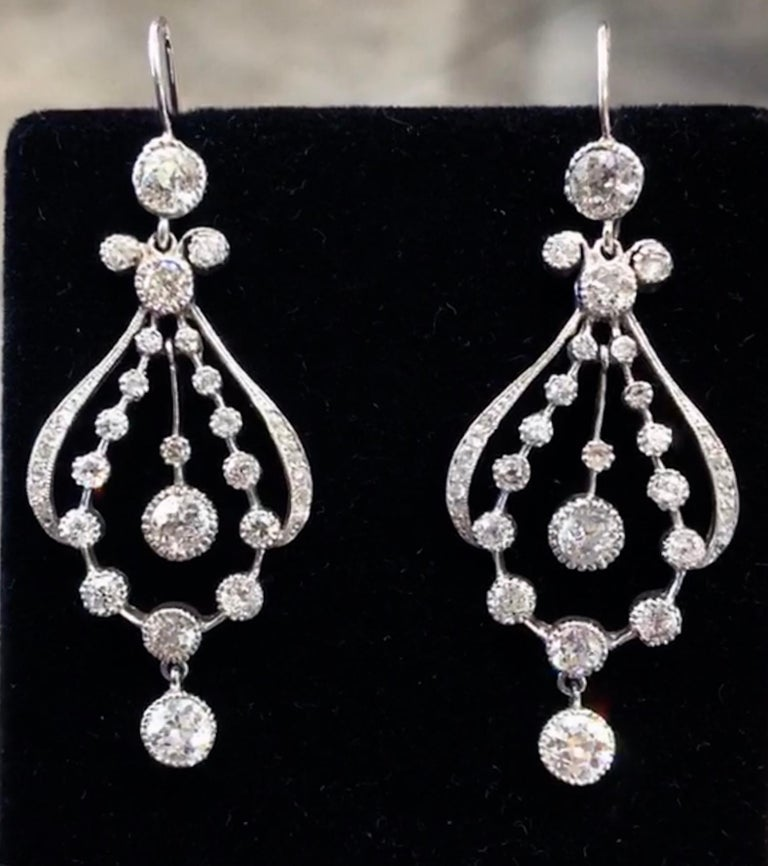 Art Deco Diamond Chandelier Earrings with 7.30 Carat of Diamonds In Excellent Condition For Sale In New Orleans, LA