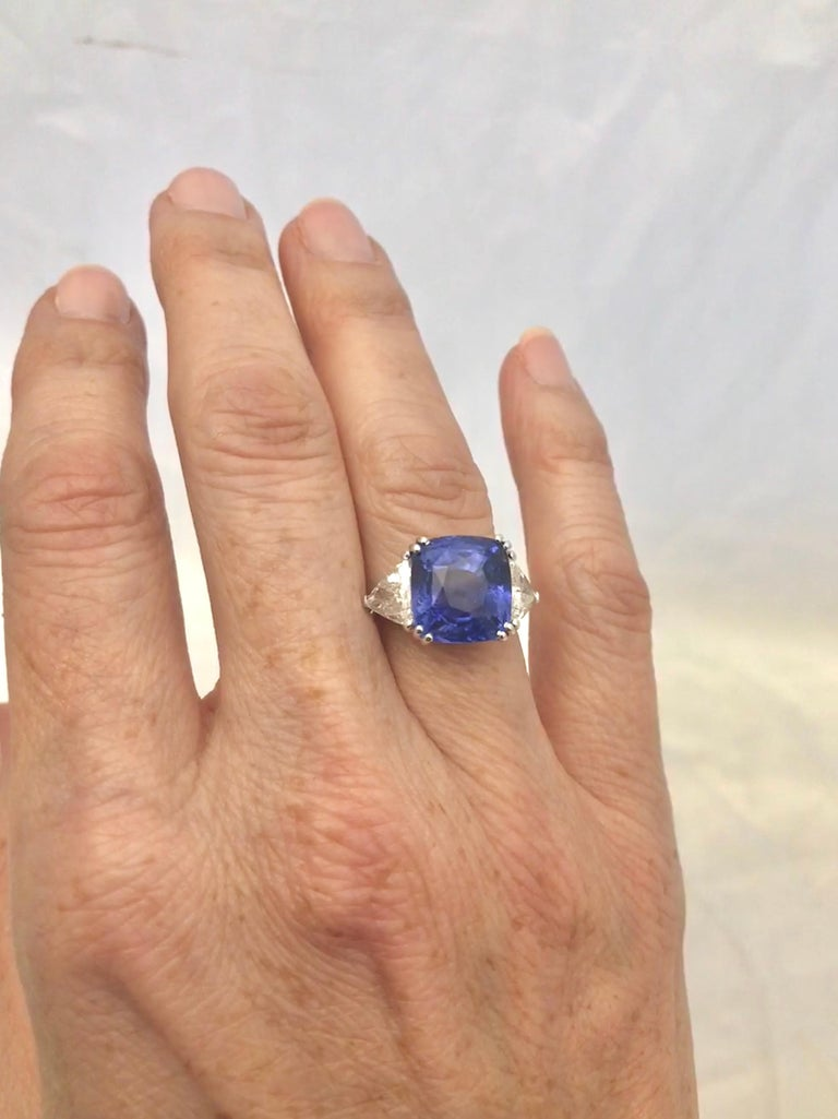 Magnificent Blue Sapphire and Diamond Ring In Excellent Condition For Sale In New Orleans, LA