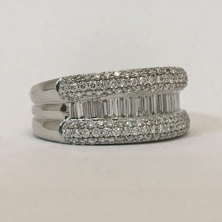 Modern Diamond Engagement Ring For Sale