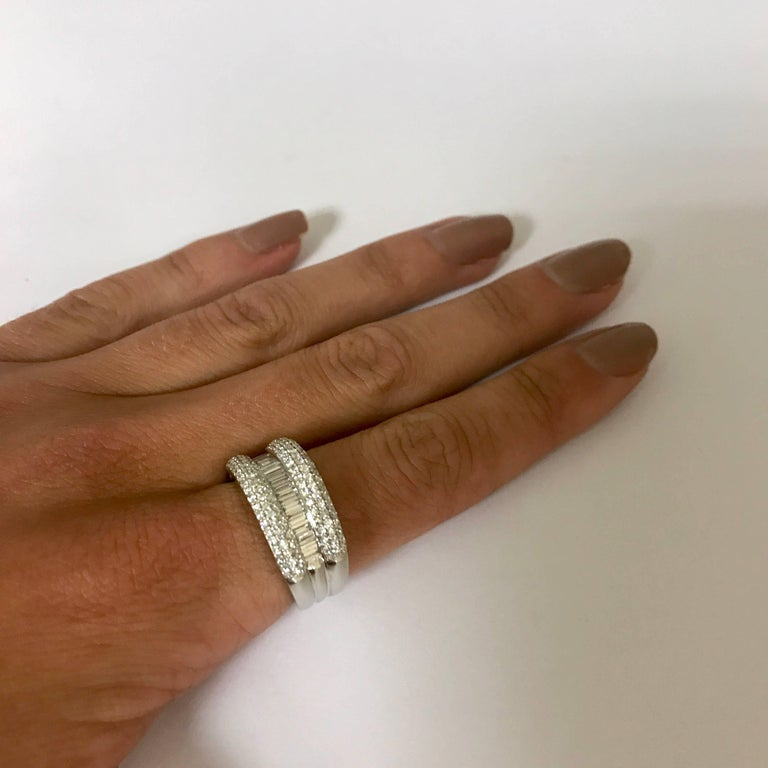 Diamond Engagement Ring In New Condition For Sale In Vannes, FR