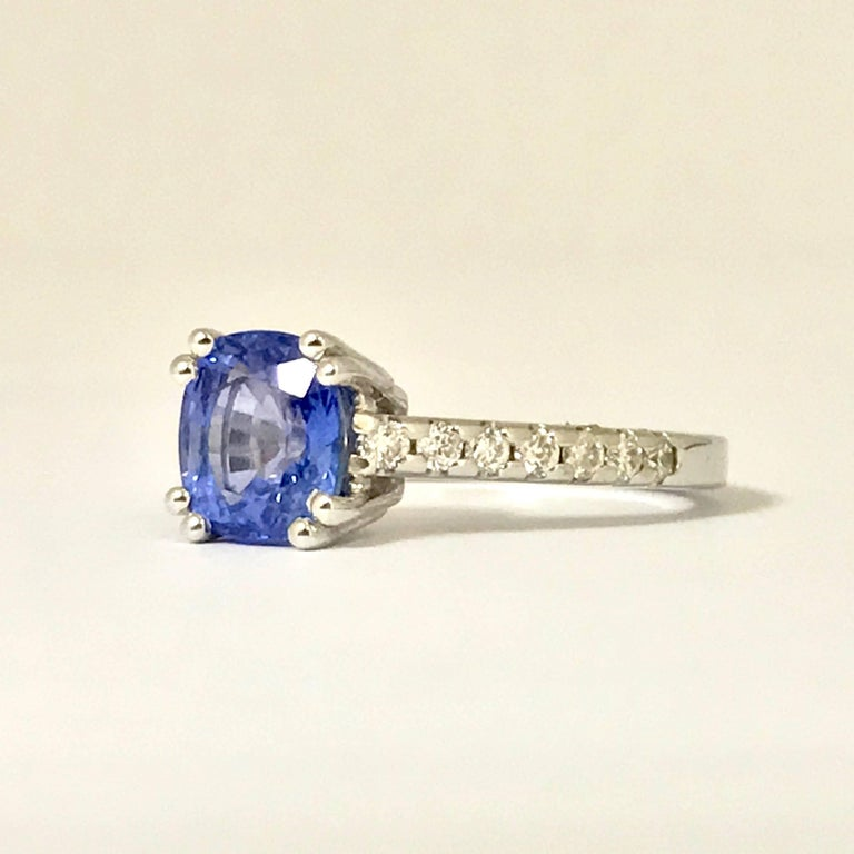 Blue Sapphire and Diamonds White Gold Ring In As New Condition For Sale In Vannes, FR