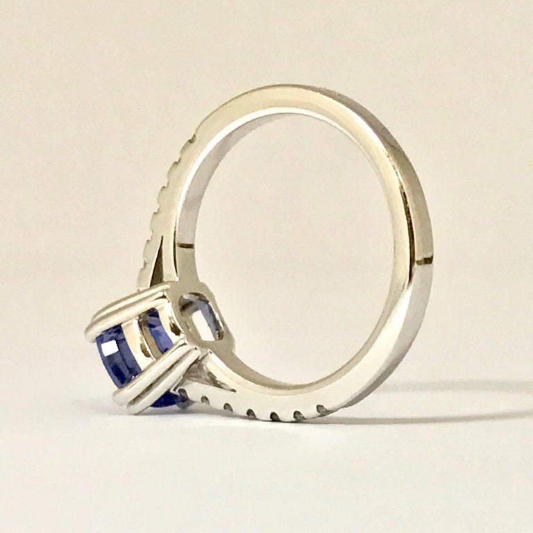 Blue Sapphire and Diamonds White Gold Ring For Sale 1