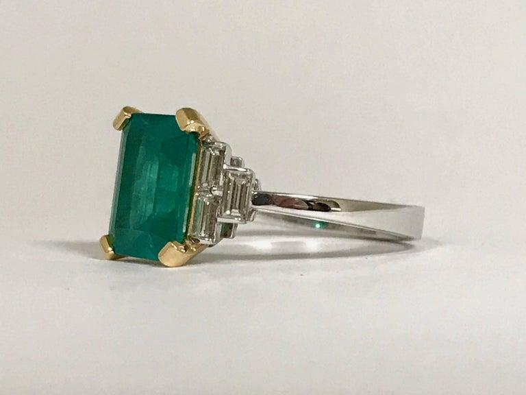 Art Deco Certified Emerald 2.68 Karat White Diamonds on Palladium Gold Engagement Ring For Sale