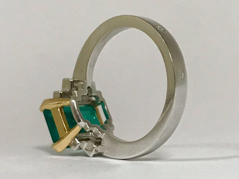 Certified Emerald 2.68 Karat White Diamonds on Palladium Gold Engagement Ring In New Condition For Sale In Vannes, FR