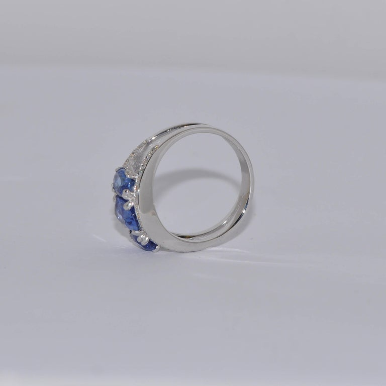 Oval Cut Blue Sapphires 3.0 Carat and White Diamonds White Gold Ring For Sale