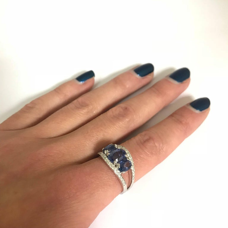 Blue Sapphires 3.0 Carat and White Diamonds White Gold Ring In New Condition For Sale In Vannes, FR
