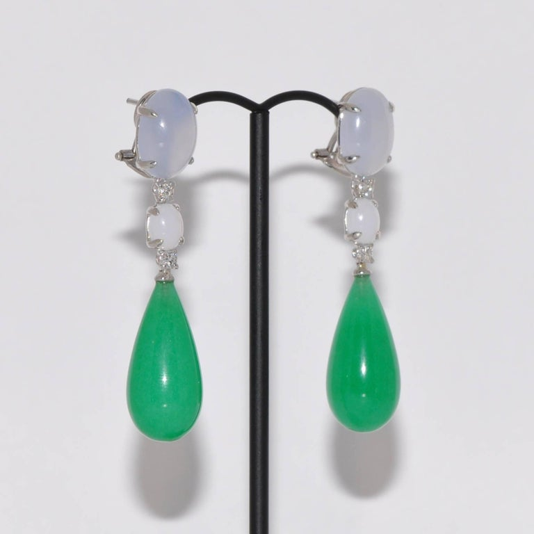 Dicover this Jade, Diamonds and  Chalcedony White Gold Chandelier Earrings. Jade Chalcedony  Diamonds 0.28 Carat White Gold 18 Carat