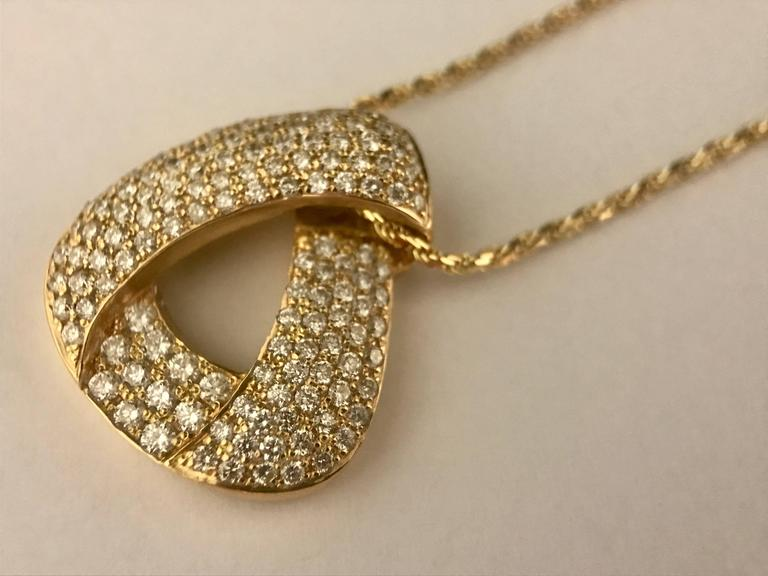 Diamonds and Yellow Gold Pendant Necklace For Sale 1