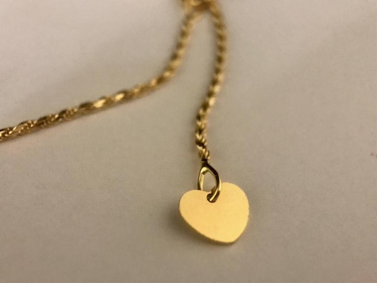 Diamonds and Yellow Gold Pendant Necklace For Sale 2