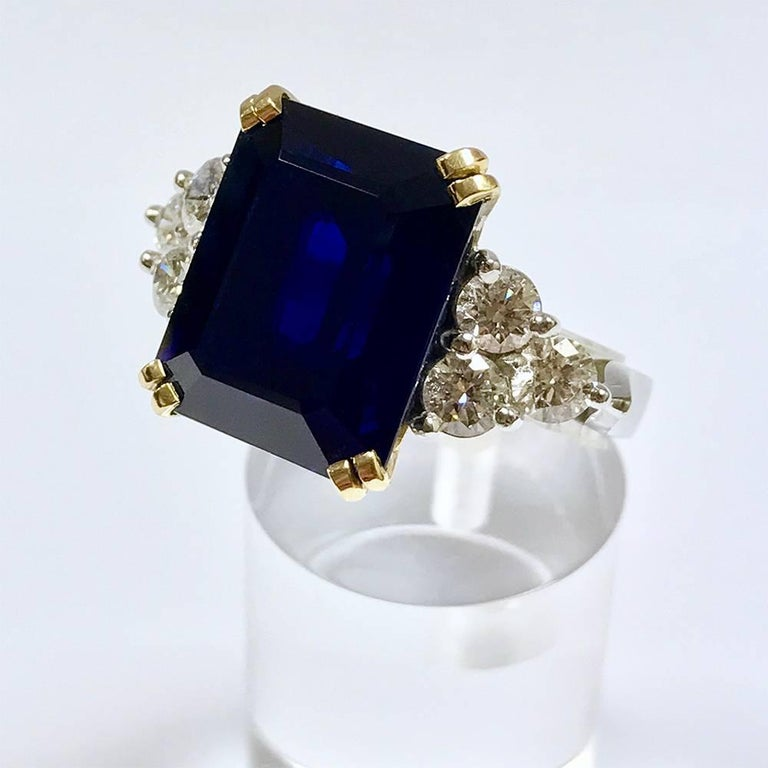 Ceylon Sapphire Diamonds White and Yellow Gold Ring 3