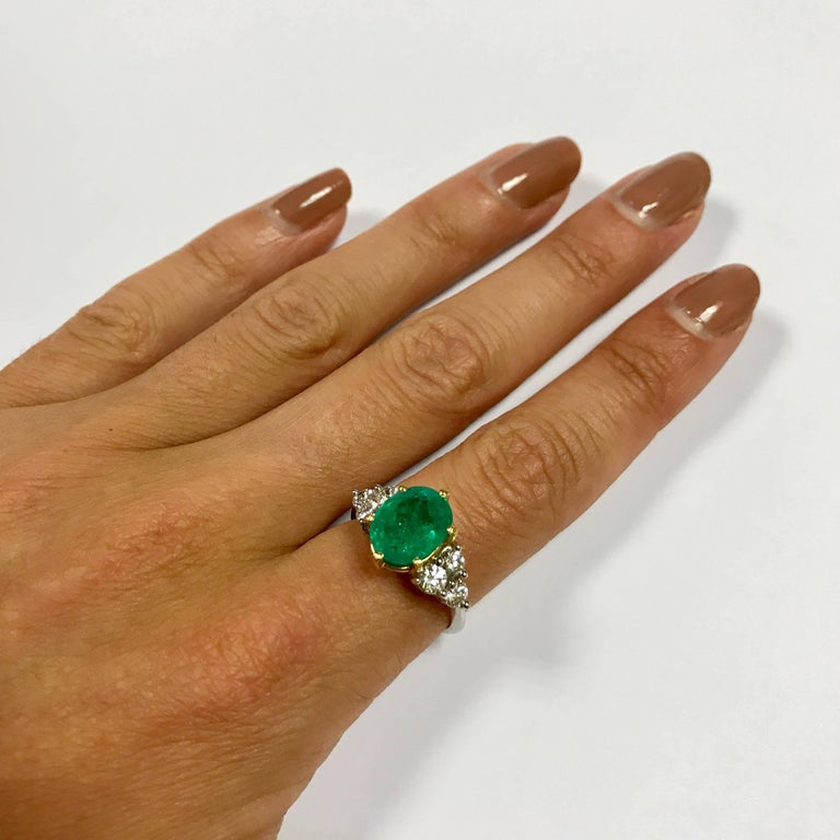 Emerald and Diamonds White and Yellow Gold For Sale 1
