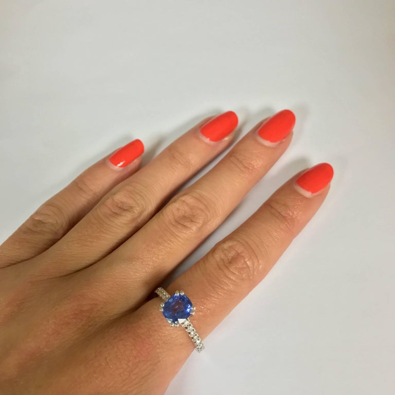 Blue Sapphire and Diamonds White Gold Ring For Sale 2