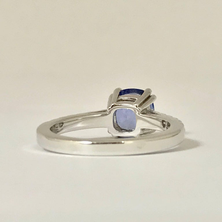 Women's Blue Sapphire and Diamonds White Gold Ring For Sale