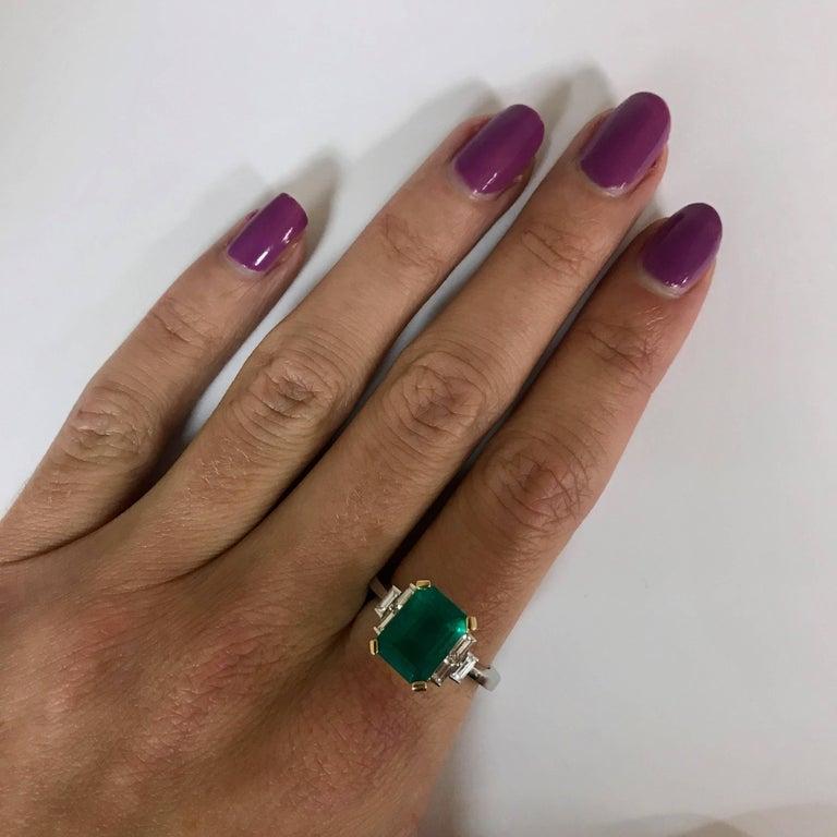 Women's Certified Emerald 2.68 Karat White Diamonds on Palladium Gold Engagement Ring For Sale