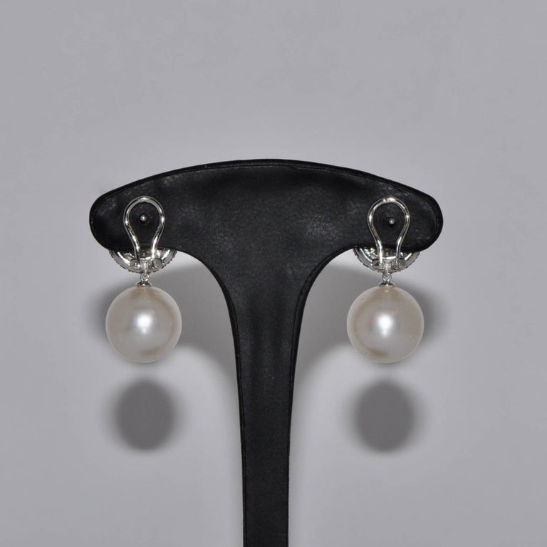Cultured Pearls and Diamonds White Gold 18 Carat Chandelier Earrings 3
