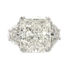 Magnificent GIA Radiant 8.03 Carat in a Platinum Ring with Half Moons 2.01 Carat