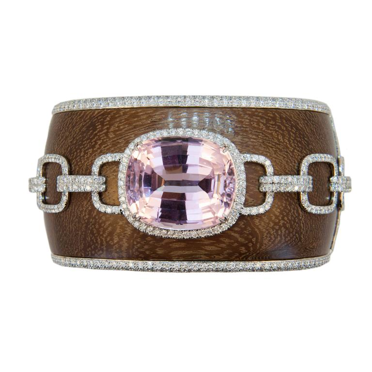 Laura Munder 57.81 Carat Kunzite Diamond and Wood White Gold Bangle Bracelet
