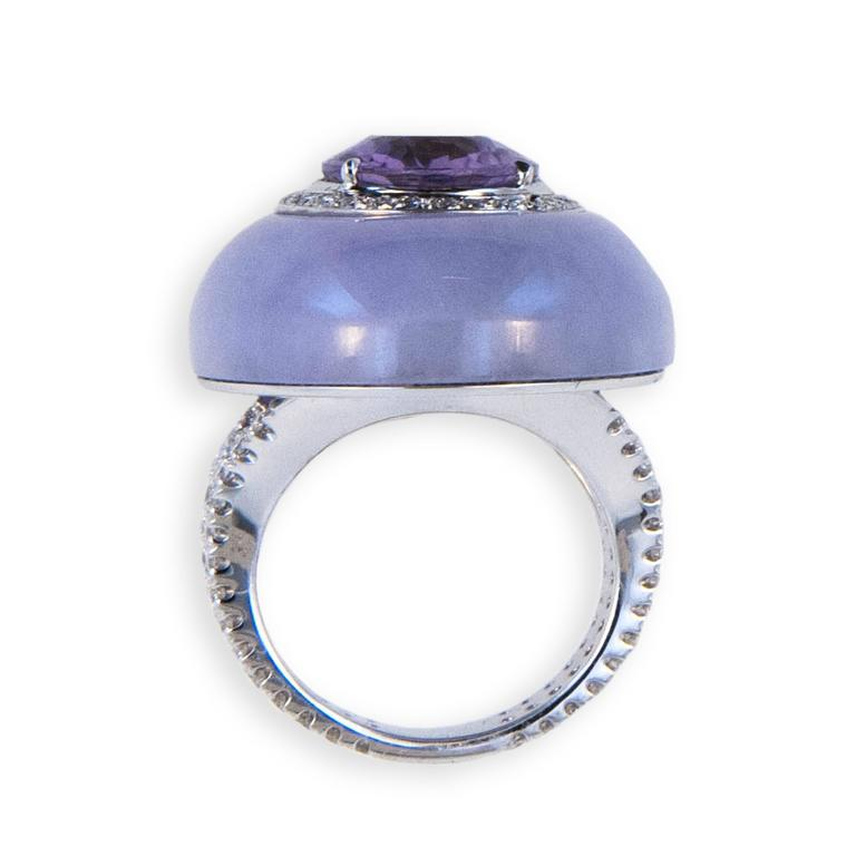 Laura Munder Lavender Jade Amethyst Diamond White Gold Ring In Excellent Condition For Sale In West Palm Beach, FL