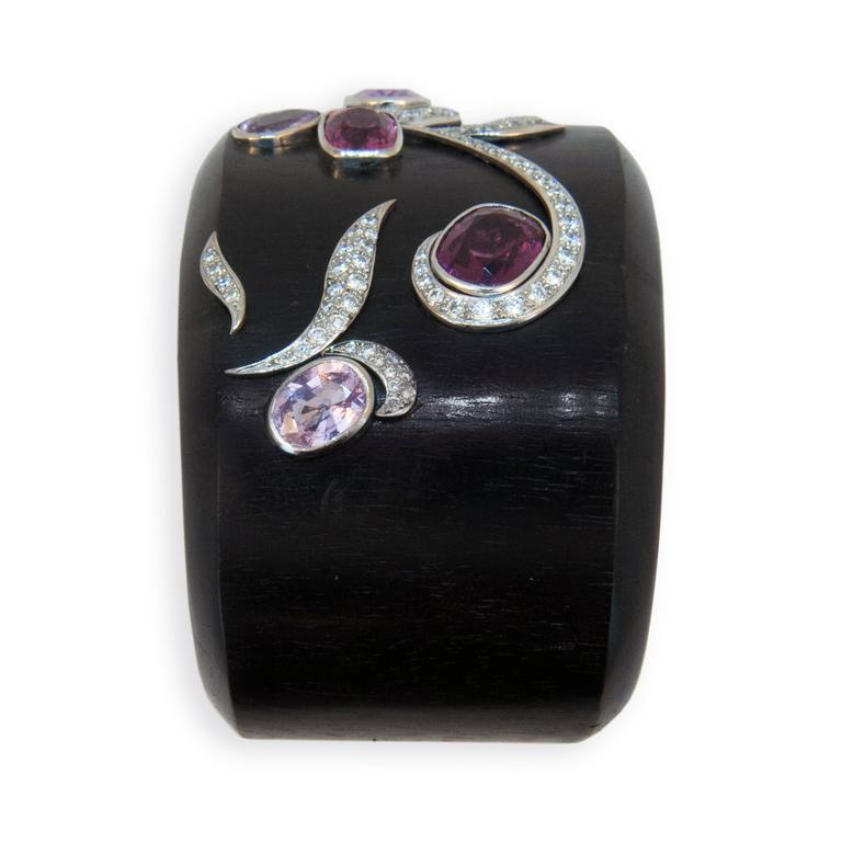 Laura Munder Pink and Purple Spinel Diamond White Gold Cuff Bracelet In New Condition For Sale In West Palm Beach, FL