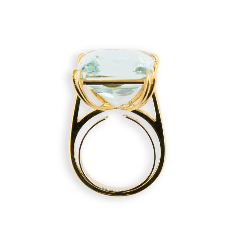 Laura Munder 15.21 Carat Aquamarine Yellow Gold Ring 2