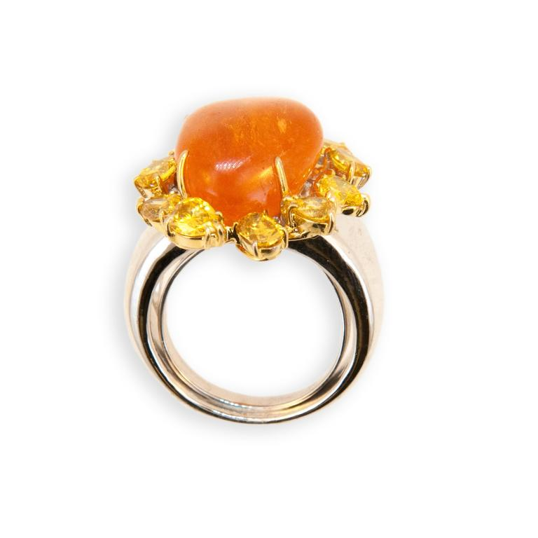 Women's Laura Munder Mandarin Garnet Yellow Diamond White and Yellow Gold Ring For Sale