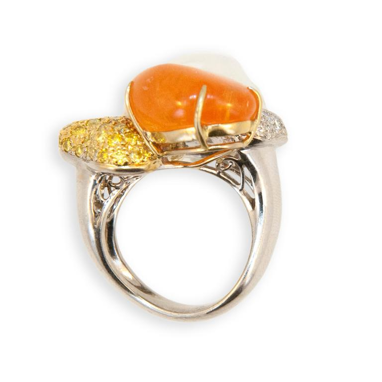 Women's Laura Munder Mandarin Garnet Keshi Pearl White Yellow Diamond White Gold Ring For Sale