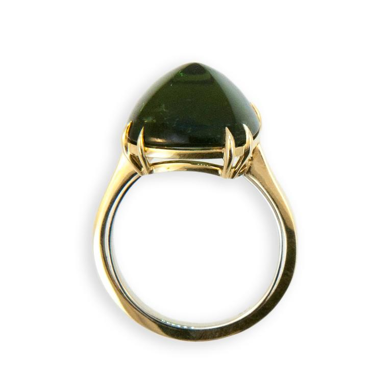 Cushion Cut Laura Munder Green Tourmaline Sugarloaf Yellow Gold Ring For Sale