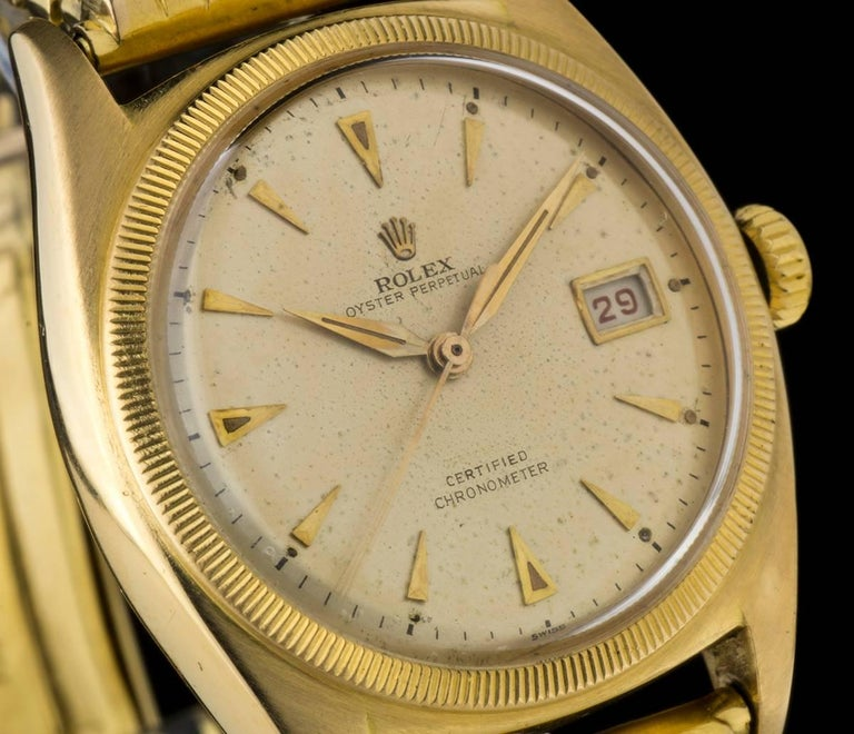 Rolex Yellow Gold Vintage Semi Bubble Back Oyster Perpetual Manual Wristwatch In Excellent Condition For Sale In London, GB