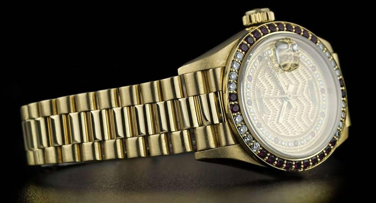 Rolex Gold Rare String Dial Ruby and Diamond Datejust 69068 Automatic Wristwatch For Sale 2