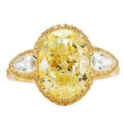 Kwiat Fancy Light Yellow Diamond Ring, of 4.01