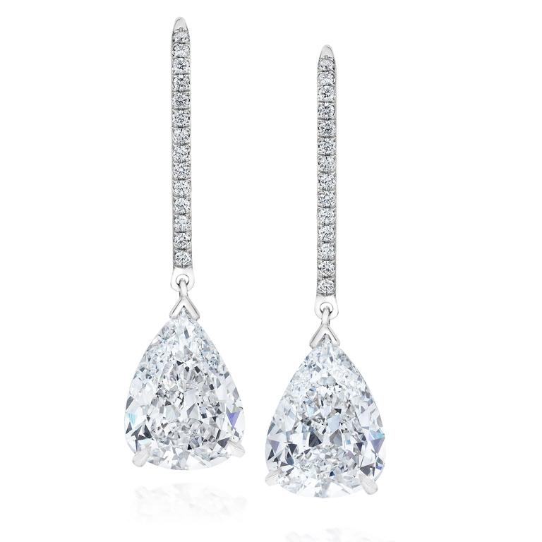 Important Gia Certified 5 92 Carat Pear Shape Diamond Platinum Hanging Earrings For