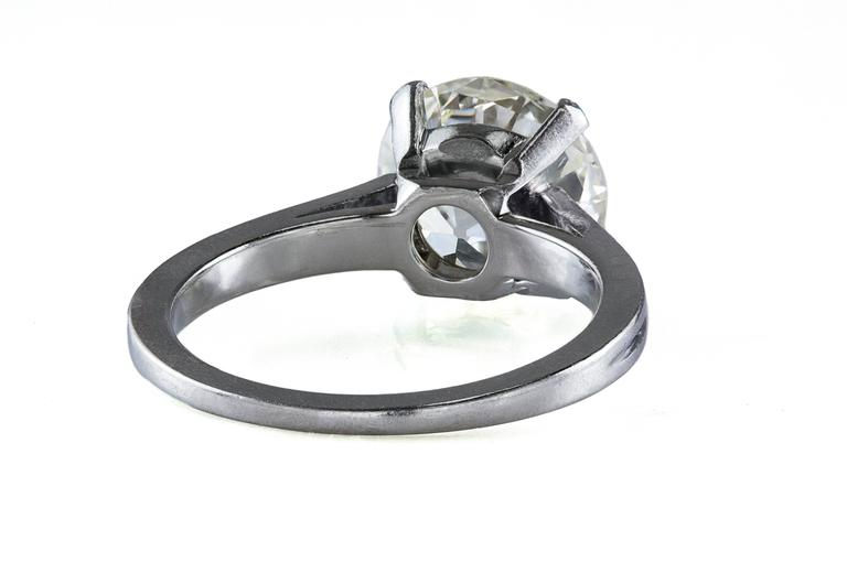 Art Nouveau 2.47 Carat Round Cut Diamond Platinum Solitaire Engagement Ring For Sale