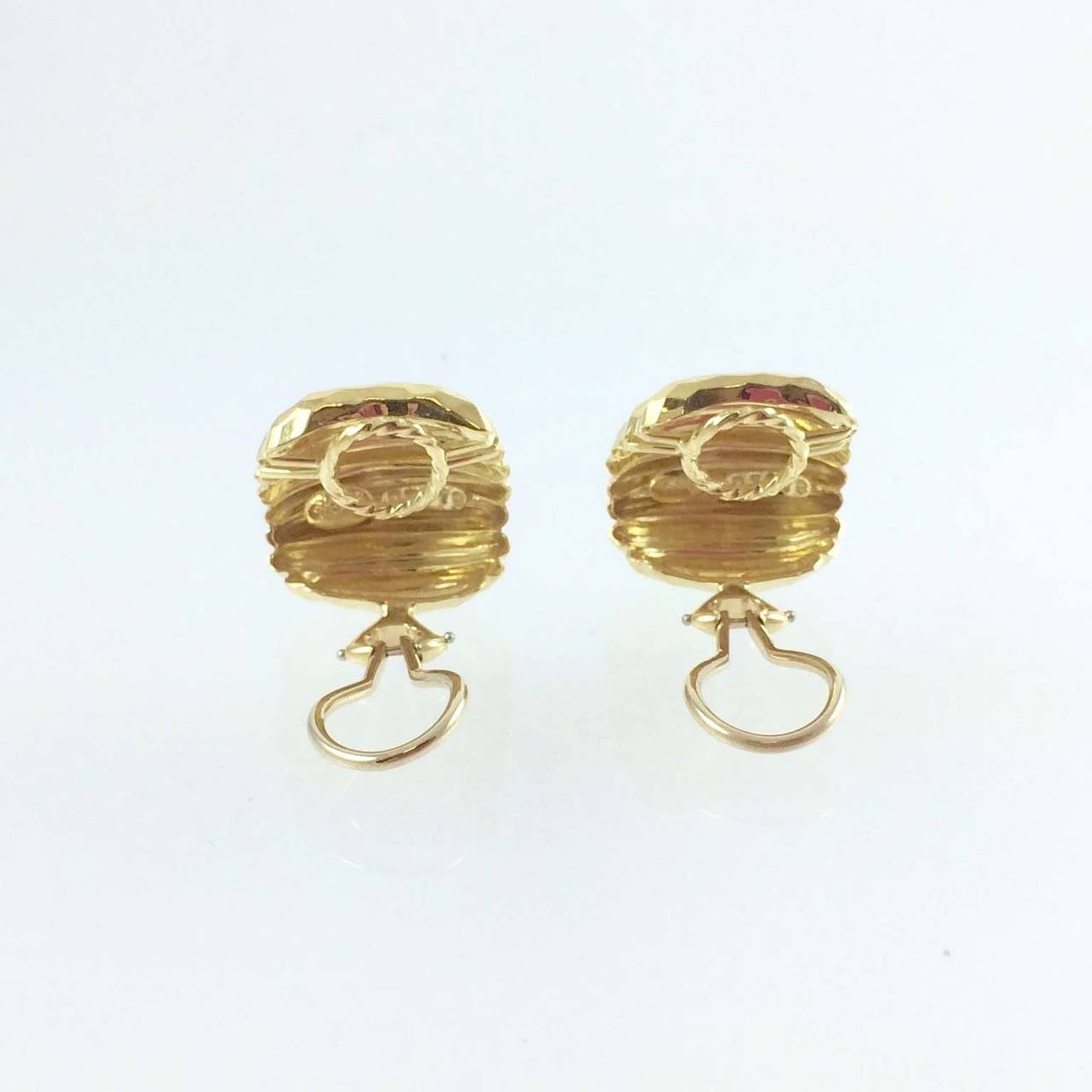 Henry Dunay Faceted Gold Earrings In Excellent Condition For Sale In Chicago, IL