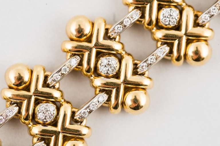 Roberto Coin Yellow and White Gold Diamond  Bracelet In Excellent Condition For Sale In Chicago, IL