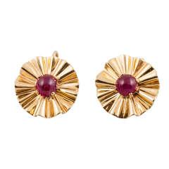 Trabert & Hoeffer Mauboussin Cabochon Ruby gold Ear Clips