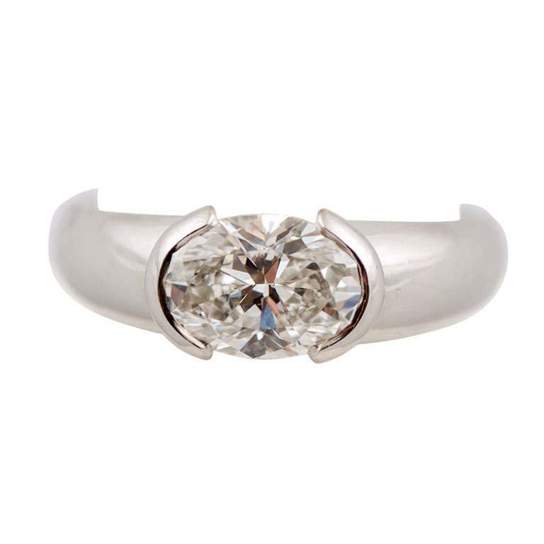 Oval Diamond Weighing 1.50 Carat, F Color, VVSI Clarity, GIA, Bondanza Mounting For Sale